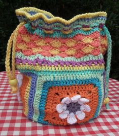 Daisy Drawstring Bag ~ pattern available for daisy square only