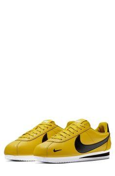 sale retailer 5d92e 45e03 Enjoy exclusive for Nike Classic Cortez Premium Sneaker (Unisex) online
