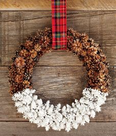 DIY project: Dipped pine cone wreath