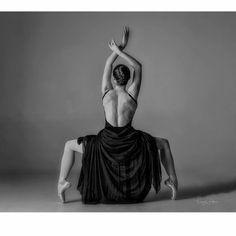 Dancer: @harleyy26 Photo: @leroygordonphotography #nochair https://www.instagram.com/p/BRHwF_SBXO3/?taken-by=harleyy26