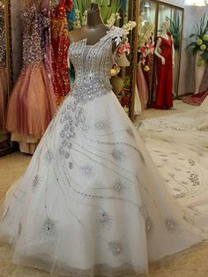 Tailor-Made A-line Flower One Shoulder Peacock Feather Shape Crystals And Rhinestones Cathedral Train Tulle Sequin Wedding Dresses Free?US 759 -? Peacock Wedding Dresses, Peacock Dress, Wedding Dresses With Flowers, Modest Wedding Dresses, Designer Wedding Dresses, Wedding Gowns, Peacock Theme, Bridal Dresses, Prom Dresses