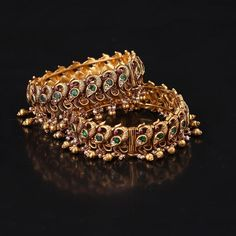 This Brand Has Heavy Temple Jewellery Collections! • South India Jewels New Jewellery Design, Temple Design, South Indian Bride, Temple Jewellery, Jewelry Collection, Cards Diy, Jewels, Stone, Diamond