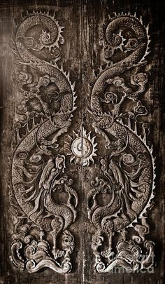 Antique Wooden Door Sculpt A Dragon God The Age Of Approximately 200 Years In…