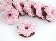 Crochet Donut jeu Food cadeau de jouet de par WoodAndYarnToys