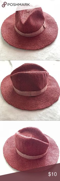 Zara Rust Colored Straw Fedora Woven straw hat with a pinched top, wide brim, and a matching trim. There's a little smudge of makeup on the inside shown in 6th picture. Color best reflected in last 3 pics. Zara Accessories Hats