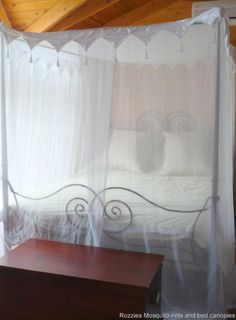 LUXURIOUS COTTON 4 POSTER MOSQUITO NET CANOPY QUEEN WONDERFUL TRIM TASSELS