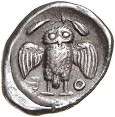 Triemiobolo - argento - Atene (ca.479-393 a.C.) - A-Θ-E civetta frontale con ali aperte, in alto ramo di ulivo - Münzkabinett Berlin