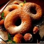Gogosi Italiene – Ciambelle - LA CUPTOR Romanian Desserts, Romanian Food, Romanian Recipes, I Want To Eat, Dough Recipe, Doughnuts, Bagel, Deserts, Sweets