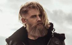 Best Beard Styles and Ideas Short Boxed Beard, Short Beard, Mustache And Goatee, Handlebar Mustache, Stubble Beard, Sexy Beard, Long Beard Styles, Beard Styles For Men, Clean Cut Beard