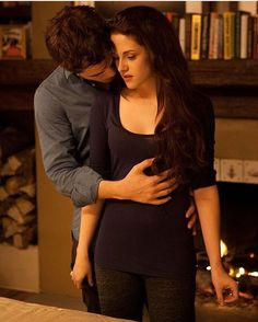 """cullencircus: """" New/Old Edward and Bella Still from Breaking Dawn part 2 """" Twilight Bella And Edward, Twilight Saga Series, Twilight Cast, Edward Bella, Twilight Series, Twilight New Moon, Twilight Movie, Bella Cullen, Rosalie Twilight"""