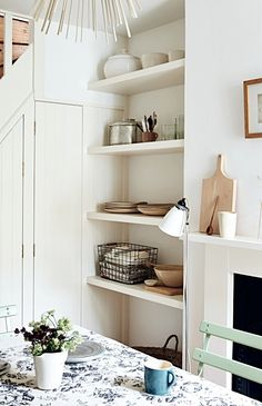 5-Minute Decluttering Tips That Are Life-Changing | These clever Spring cleaning hacks will give you a clutter-free home in no time! DIY your way to a minimalist + tidy space... @stylecaster