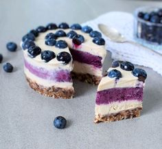 raw vegan blueberry cheesecake recipe - a delicious dairy free no bake cake which is also gluten free and plant-based