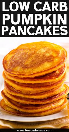 Simple Homemade Fluffy Keto Pumpkin Pancake Recipe (Low Carb & Sugar Free) These healthy pumpkin spice pancakes are so thick and f . Gluten Free Pumpkin Pancakes, Pumpkin Spice Pancakes, Low Carb Pancakes, Homemade Pancakes, Pumpkin Granola, Low Carb Recipes, Snack Recipes, Pancake Recipes, Smoothie Recipes