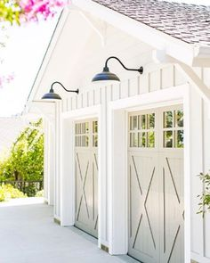 25 Gorgeous Garage Doors | COCOCOZY