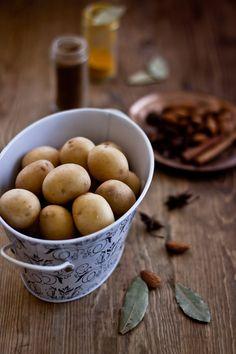 Dum Aalu Bite Size Potatoes In Joghurt Gravy   Spielerisch Kochen