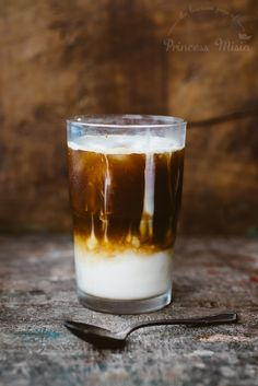 Iced Almond Vanilla Latte