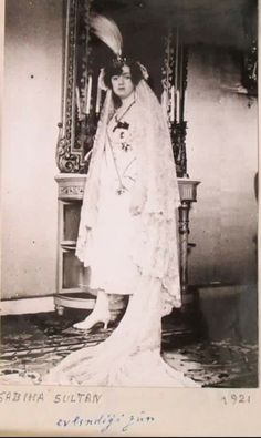 Sabiha Sultan Old Pictures, Old Photos, Vintage Photos, Turkish People, Ottoman Empire, Historical Pictures, World History, Family Photos, Istanbul
