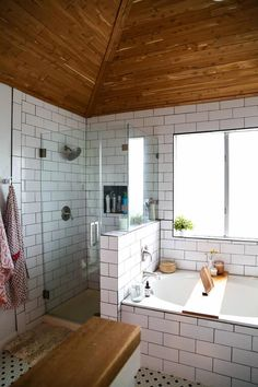 This master bathroom remodel is absolutely gorgeous. SO many inspiring ideas, gorgeous black and white tile, and it's all one big DIY renovation! You HAVE to see the rest of the photos! Inexpensive Bathroom Remodel, Budget Bathroom Remodel, Bath Remodel, Small Space Bathroom, Master Bathroom, Cozy Bathroom, Bathroom Gray, Master Baths, Bathroom Interior