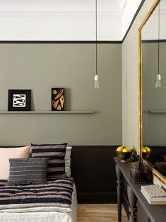 Un petit appartement parisien très chaleureux Estilo Soho, Home Bedroom, Bedroom Decor, Bedrooms, Studio Apartment Design, Apartment Layout, Apartment Interior, Apartment Living, Compact Living