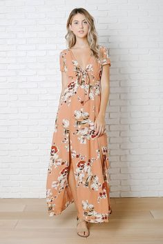 a6528d78a8 66 Best Every woman looks better in a Sundress images