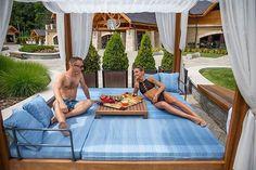 Már baldachinos pihenőkkel is gondoskodunk maximális kényelmetekről! Béreljétek ki egész napra és élvezzétek Avalon-nyaralásotok minden percét!  #avalonresort #baldachinbed #avalonvacation #summertime #july #holiday #relax #wellness #dailygram