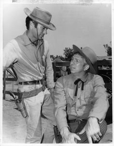 Clint Eastwood and Slim Pickens in Rawhide (1959)