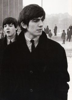 Image about the beatles in George Harrison by Andy in the Sky with Diamonds Paul Mccartney, Great Bands, Cool Bands, The Quiet Ones, Beatles Photos, Rock Artists, Best Friends For Life, The Fab Four, Ringo Starr