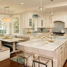 Cocina blanca con gabinete