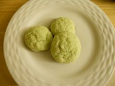 Easy and delicious pistachio cookie recipe for St. Cookie Recipes, Dessert Recipes, Desserts, Pistachio Cookies, Christmas Cookies, Nom Nom, Drink, Book, Ethnic Recipes