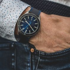 The perfect and original gift for man in this coming Valentine's Day : a french automatic diving watch ! What a beautiful way to show everyday all the time you want to spend with your love.  #Akrone #french #watch #timepiece #watchaddict #valentine #valentinesday #valentinesgift #love #giftforme #giftforhim #gift