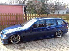 BMW E36 3 series Touring blue slammed