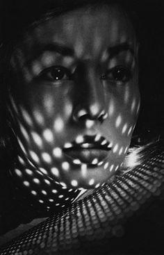 lauramcphee:        Lisa Fonssagrives, c1950 (Fernand Fonssagrives)