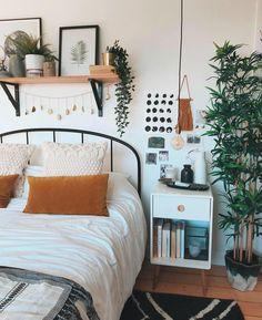 Nachttisch home in 2019 cozy apartment decor, bedroom decor, Room Ideas Bedroom, Home Bedroom, Bedroom Decor Boho, Bedroom Inspo, Bohemian Bedroom Design, Small Bedroom Decorating, Decorating Small Bedrooms, Small Bedroom Inspiration, White Wall Bedroom