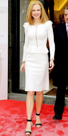 At an Omega press event, Nicole Kidman looked chic in her ivory wool Nina Ricci suit and mixed material stilettos. Nicole Kidman Style, Celebrity Look, Celeb Style, Work Chic, Celebs, Celebrities, Fashion Advice, Sexy Legs, Get Dressed