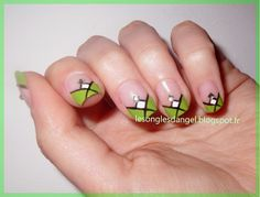 Nail art  french V