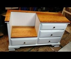 New Diy Furniture Dresser Benches Ideas Diy Furniture Dresser, Dresser Bench, Diy Pallet Furniture, Repurposed Furniture, Furniture Projects, Furniture Makeover, Dresser Ideas, Diy Dressers, Furniture Design