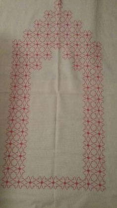 Etamin seccade Blackwork, Prayer Rug, Crewel Embroidery, Bargello, Cross Stitch Patterns, Diy And Crafts, Prayers, Projects To Try, Rugs