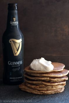 Super Easy Guinness Stout Pancakes made with a store bought pancake mix! Add Bailey's whipped cream for a festive Irish breakfast. Guinness Recipes, Beer Recipes, Irish Recipes, Recipies, Irish Breakfast, Breakfast Recipes, Pancake Recipes, Breakfast Time, Breakfast Ideas