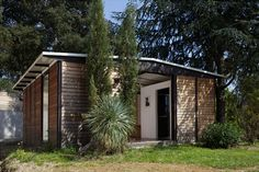 Demountable House by Jean Prouvé and Richard Rogers at Miami/Basel