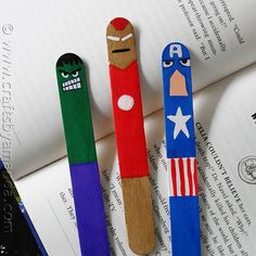 Avengers Bookmarks Are your kids fans of The Avengers? Make these fun superhero-themed bookmarks out of craft sticks to encourage reading! The post Avengers Bookmarks was featured on Fun Family Crafts. Popsicle Stick Crafts, Popsicle Sticks, Craft Stick Crafts, Craft Sticks, Easy Crafts, Bookmark Craft, Bookmarks Kids, Bookmark Ideas, Fun Crafts For Kids
