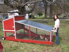 More ideas below: Easy Moveable Small Cheap Pallet chicken coop ideas Simple Large Recycled chicken coop diy Winter chicken coop Backyard designs Mobile chicken coop [. Chicken Coop On Wheels, Walk In Chicken Coop, Chicken Coop Pallets, Mobile Chicken Coop, Chicken Coup, Portable Chicken Coop, Best Chicken Coop, Chicken Tractors, Backyard Chicken Coops