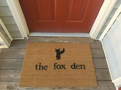 Have a fox lover in your life? Is your home a little fox den (personally, Andres and I are lions!)? Last name fox? Check out this cute fox-related welcome/door mat! Would make an awesome personalized gift!