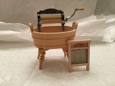 Dollhouse miniature Bodo Hennig Washtub, Wringer and Washboard 1/12 scale Z