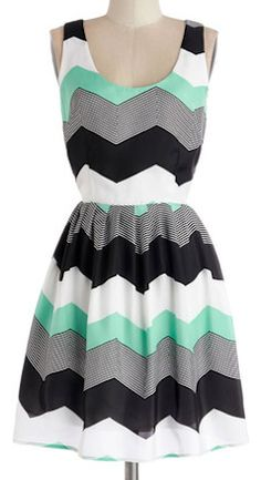 Pretty chevron print dress http://rstyle.me/n/fnf2nnyg6