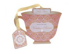 Convite Chá de Panelas/Cozinha - Modelo Xícara estilo provençal, estampa floral, delicado para sua festa. Feito com papel fotográfico. Detalhes em pérola. Medidas: Corpo 14,50 cm por 10,00 cm. Tag 5,50 cm por 4,00 cm.