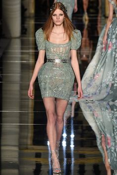 See all the Zuhair Murad Haute couture Spring/Summer 2016 photos on Vogue. Green Fashion, High Fashion, Fashion Show, Fashion 2016, Fashion Spring, Paris Fashion, Spring Couture, Couture Week, Zuhair Murad Dresses