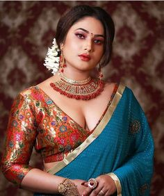 Beautiful Indian Women in Saree- Hottest Photo Gallery! Cute Beauty, Beauty Full Girl, Beauty Women, Beauty Girls, Beautiful Girl Indian, Most Beautiful Indian Actress, Beautiful Women, Beautiful Saree, Hey Gorgeous