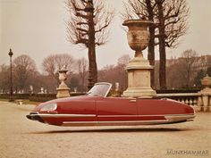 vintage gallery of various flying citroën from alternate-reality France.