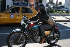 Seen on the road - A real girl go shopping with his cafe racer.