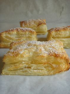 Pureed Food Recipes, Baking Recipes, Portuguese Recipes, Portuguese Food, Puff Pastry Recipes, Easy Cooking, Sweet Recipes, Waffles, Food And Drink